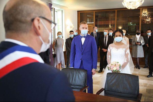 Mariage au temps de la Covid-19 à Melun, le 17 octobre dernier.