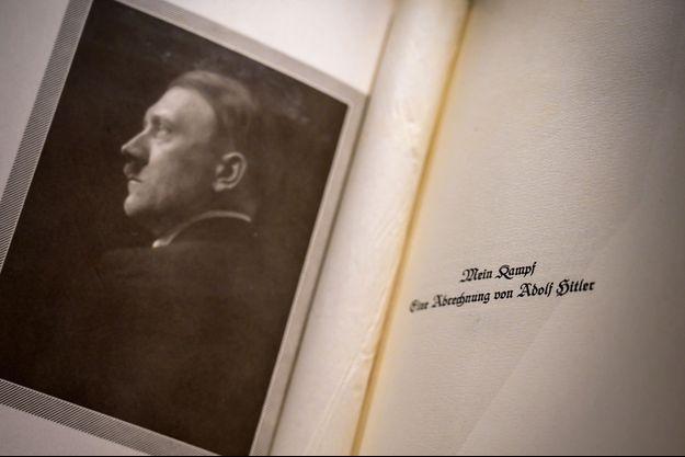 Mein Kampf va être réédité en France en 2020 — Historique