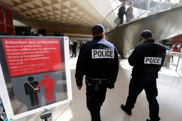 Depuis le début de l'année, selon la préfecture de police de Paris, les vols à la tire par des bandes organisées ont augmenté de 33 % sur les lignes des métros, RER et Transilien de la capitale