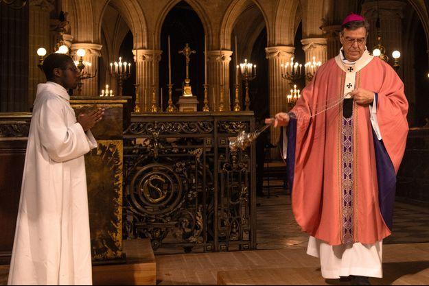 L'archevêque de Paris Mgr Aupetit célèbre la messe du troisième dimanche de l'Avent, le 15 décembre, à l'église Saint-Germain-l'Auxerrois