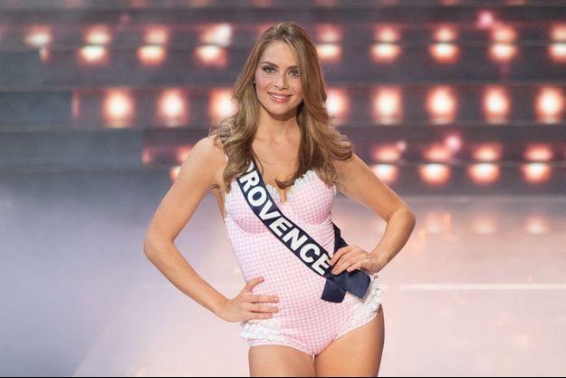 April Benayoum, lors de l'élection de Miss France 2021, en décembre 2021.