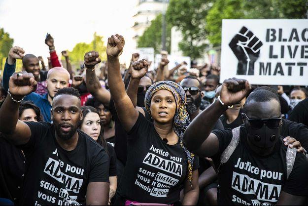Assa Traoré, soeur d'Adama Traoré, lors d'une manifestation à Paris, le 2 juin.