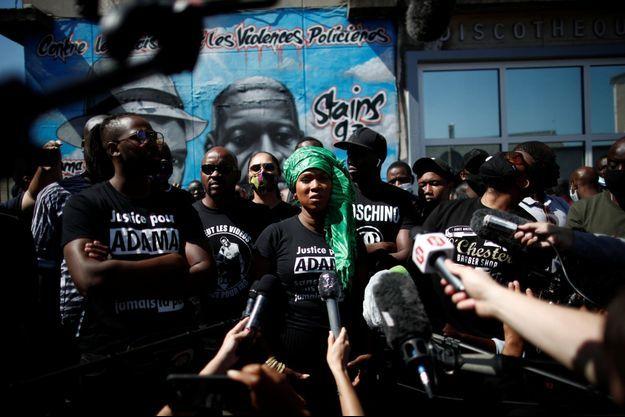 La soeur d'Adama Traoré, Assa Traoré, à Stains le 22 juin.