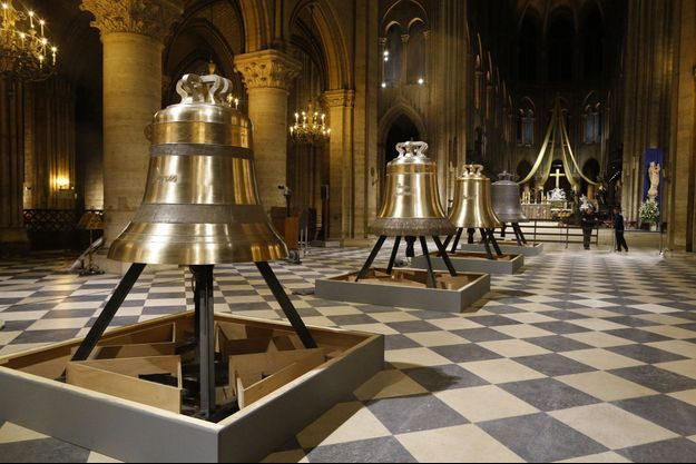 Ici en 2013, l'arrivée des nouvelles cloches lors de la célébration du 850eme anniversaire de la cathédrale Notre-dame de Paris.