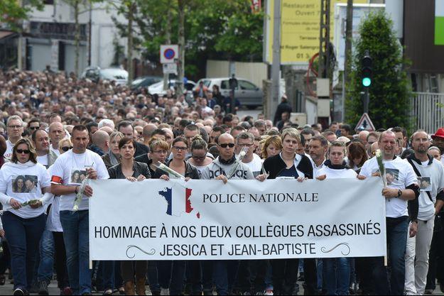 Manifestation de soutien aux deux policiers assassinés en juin 2016 à Magnanville (Yvelines).