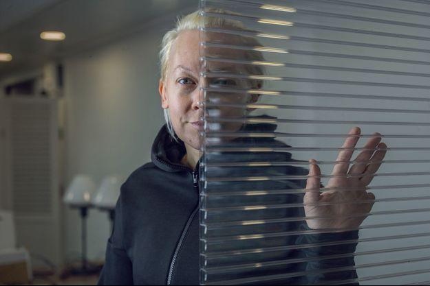 En janvier 2015, Oksana Shalygina a sacrifié son auriculaire pour se faire pardonner une infidélité. Aujourd'hui, elle publie « Sous emprise » (éd. de l'Observatoire). Un livre que Piotr Pavlenski qualifie de « pure calomnie ».