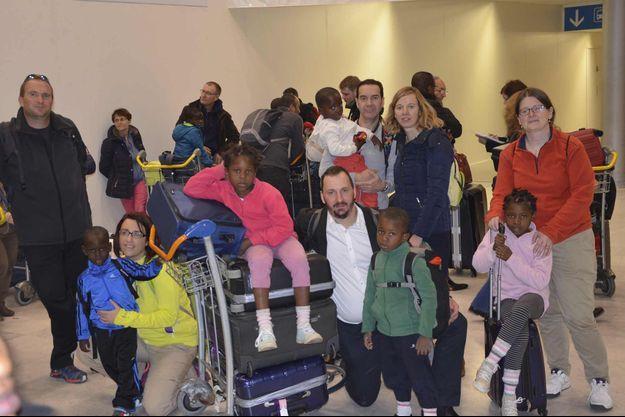 Les familles arrivées ce matin à Roissy.