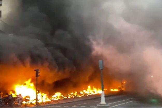 L'incendie à proximité de la Gare de Lyon.