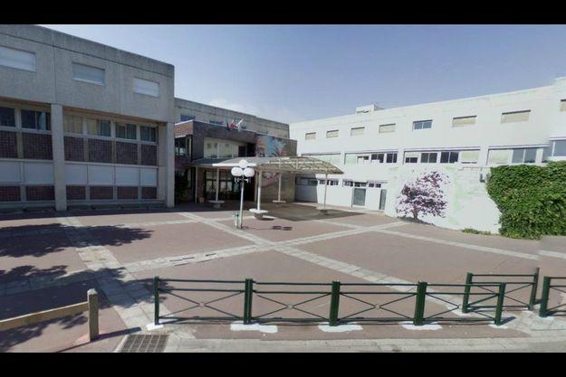 Le lycée Georges Brassens de Courcouronnes, dans lequel l'adolescent était scolarisé en seconde