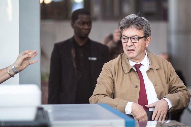 Jean-Luc Mélenchon, vendredi à son arrivée au tribunal.
