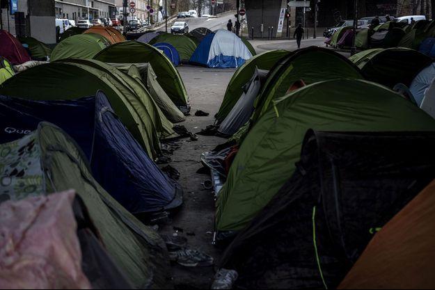 Des tentes de demandeurs d'asile à Paris, le 10 janvier 2019.