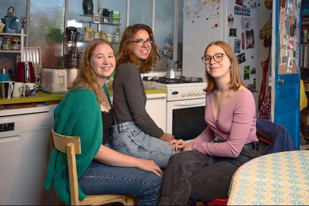 De gauche à droite, Luana, 22 ans, Giuletta, 25 ans et Zelina, 20 ans.