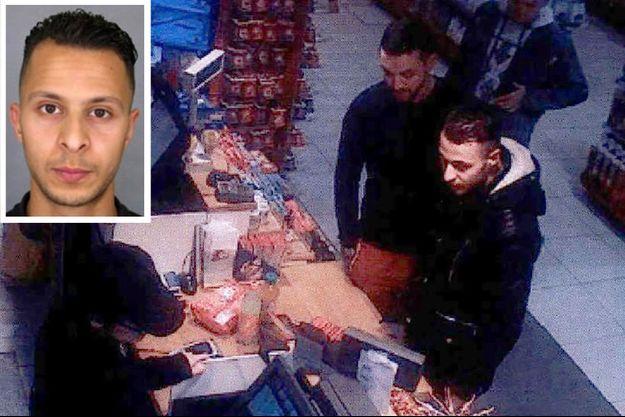 Salah Abdeslam, en bas à droite, dans une station essence du nord de Paris, le 11 novembre 2015