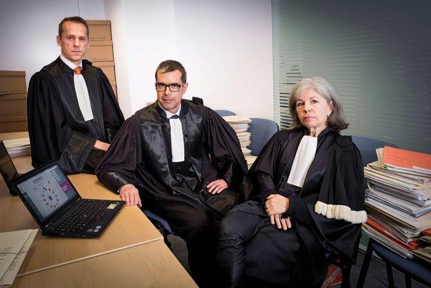 De g. à dr., Etienne Manteaux, Eric Mathais et Fabienne Klein-Donati au ministère de la Justice, à Paris, le 10 janvier.