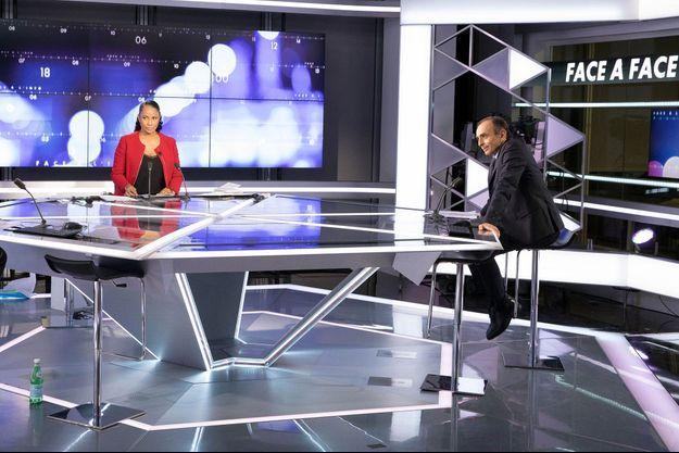 """Eric Zemmour sur le plateau de """"Face à l'info"""" de CNews en 2019."""