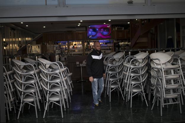 Un restaurant fermé à Marseille.