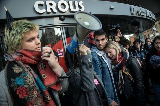 Rassemblement devant le Crous à Lyon le 12 novembre 2019.