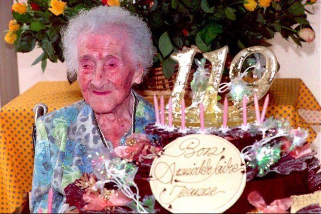 Jeanne Calment le 21 février 1994, pour son 110e anniversaire.