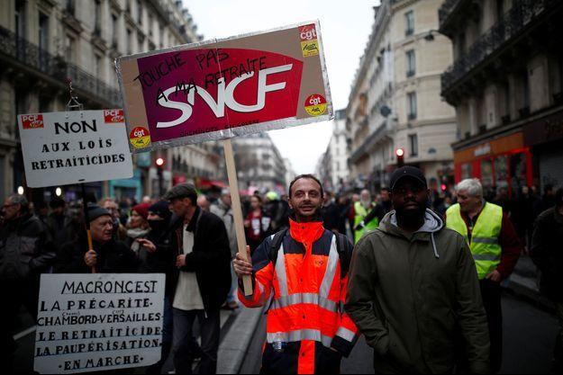 Des manifestants à Paris, le 11 janvier.