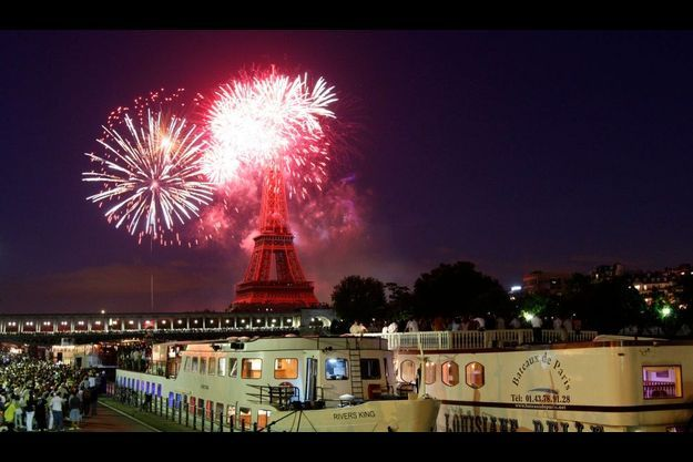 La Tour Eiffel offrira un spectacle de lumière à l'occasion de la Saint-Sylvestre et de ses 120 ans.
