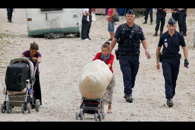 114 Roms expulsés à Saint-Priest, près de Lyon.