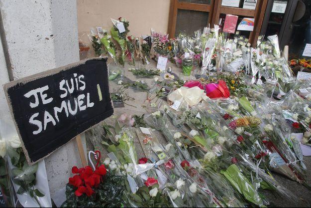 Hommage à Samuel Paty, samedi à à Conflans-Saint-Honorine.