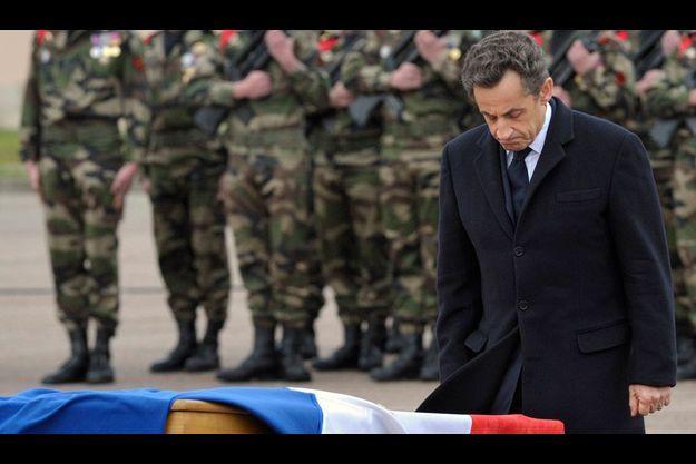 Nicolas Sarkozy, lors de l'hommage aux militaires tués.