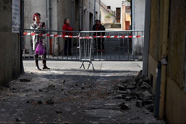 Dégâts constatés au Teil, en Ardèche, lundi, après un tremblement de terre.