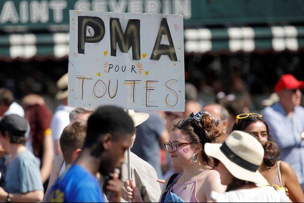 A Paris, lors de la gay pride, le 29 juin dernier.