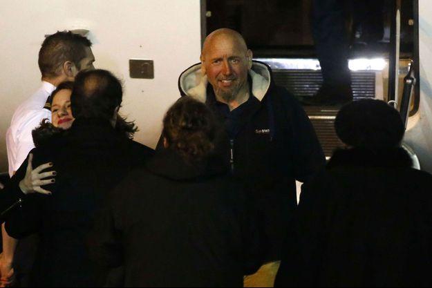 Serge Lazarevic, à sa descente de l'avion.