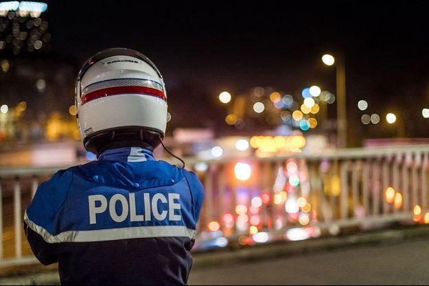 Image d'illustration. Ici un contrôle en région parisienne lors du 31 décembre, sous couvre-feu.