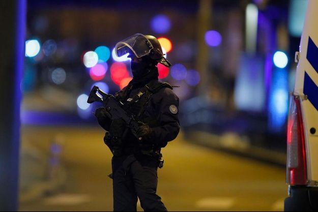 Un policier à Strasbourg après l'attentat, en décembre 2018.