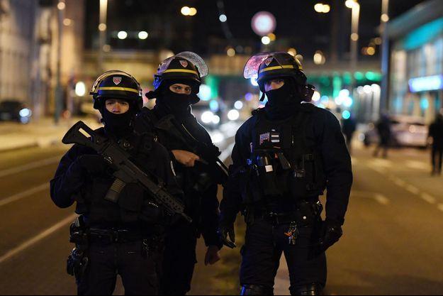 Les policiers sont intervenus sur le signalement d'une femme jeudi après-midi.