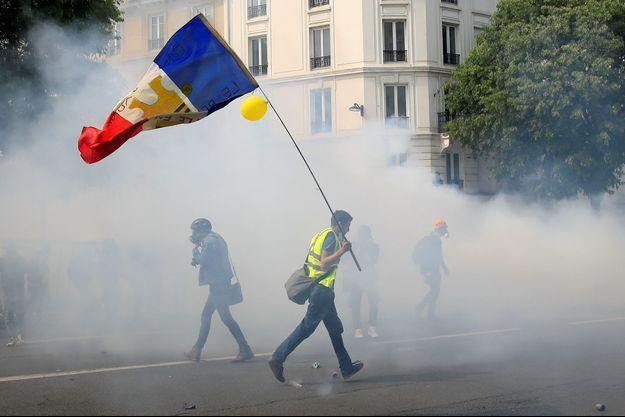 Les gilets jaunes à Paris le 1er mai.