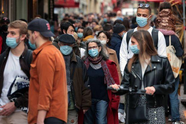 Tous masqués : une odeur de manque
