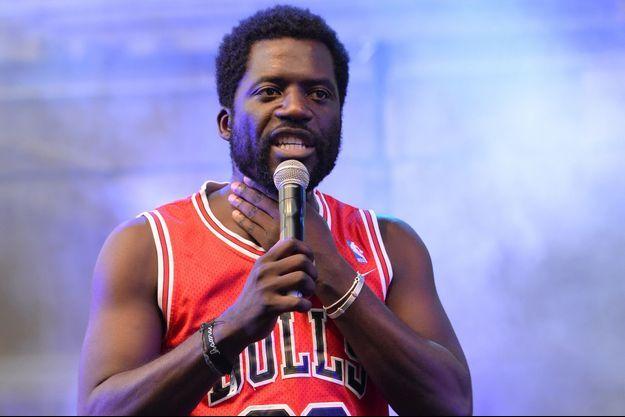 L'humoriste Donel Jack'sman sur scène à Paris en juin 2016.