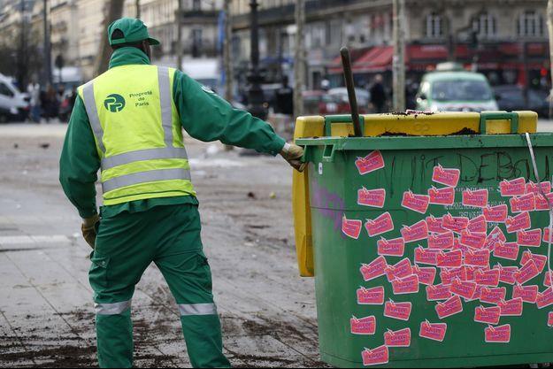 Un agent de propreté de la ville de Paris (image d'illustration).
