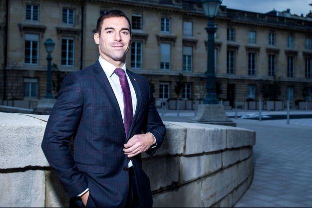 Ici, Julien Odoul, conseiller régional de Bourgogne-Franche-Comté, lors d'une séance photo en novembre 2019.