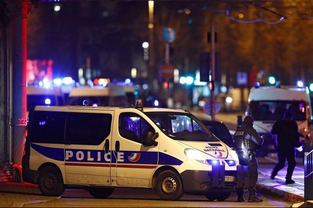 Des policiers à Strasbourg, le 13 décembre (image d'illustration).