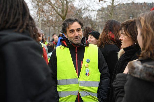 """Le """"gilet jaune"""" José Manrubia, dimanche à Paris."""
