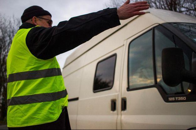 """Un """"gilet jaune"""" a été percuté par un camion à Avignon (image d'illustration)."""