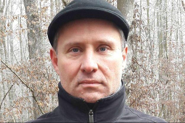 Hervé Lalin, dit Ryssen, a été condamné à six mois de prison pour messages racistes et antisémites sur les réseaux sociaux.