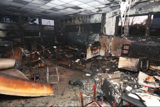 L'école incendiée jeudi à Lille.