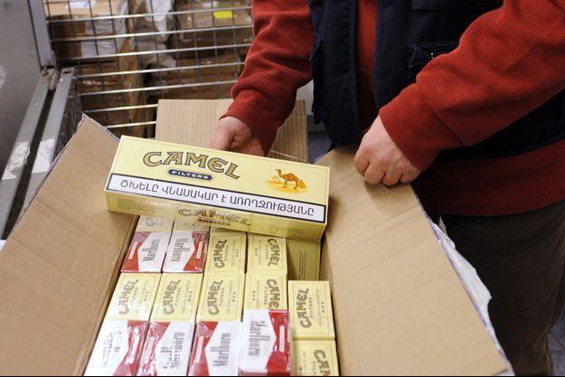 Une passagère a été interceptée à Roissy avec 581 cartouches de cigarettes (Image d'illustration).