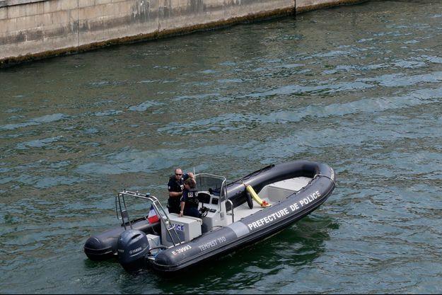 Une policière de la brigade fluviale disparue dans la Seine à Paris lors d'un exercice (image d'illustration)
