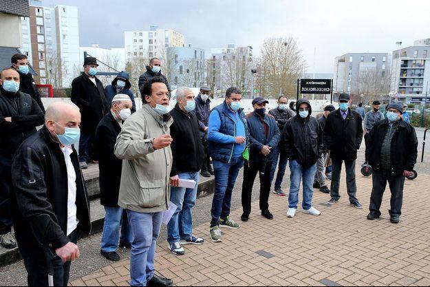 """Rassemblement en """"solidarité"""" avec le photographe agressé à Reims, le 4 mars 2021."""