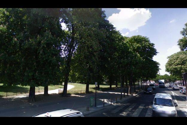 Les allées du bois, bordant l'avenue Daumesnil à Vincennes