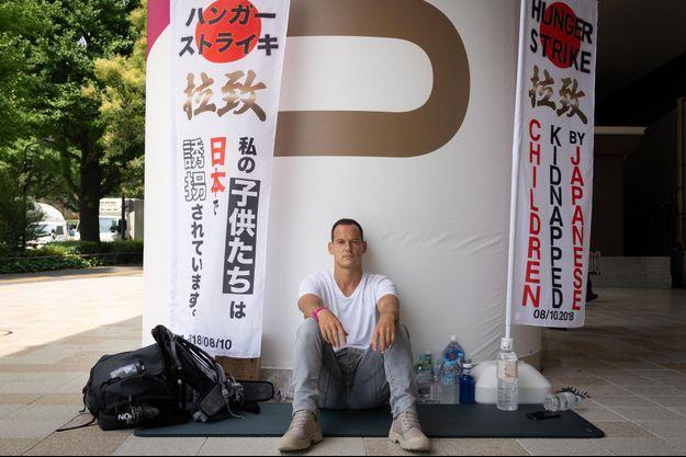 Le père de famille menait depuis 21 jours une grève de la faim devant une gare proche du Stade olympique de Tokyo.