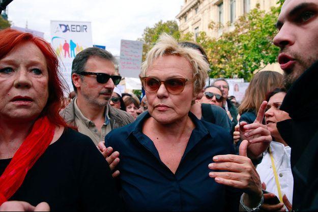 Muriel Robin lors d'une manifestation contre les violences faites aux femmes, le 6 octobre.
