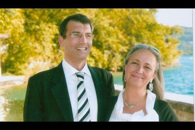 Avec Agnès, au mariage de sa cousine, en 2009, à Annecy.